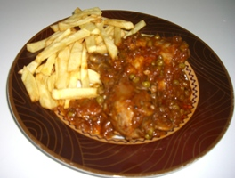 Pollo en Salsa de Tomate (Chicken in Tomato Sauce)