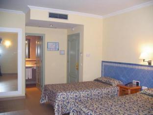 Hotel Plaza Cavana Nerja 02