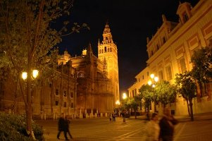 Photo C DM Parody, sevilla la giralda