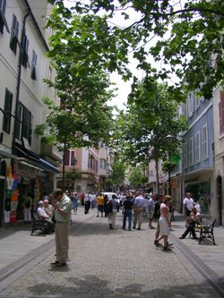 Gibraltar Restaurants & Shopping