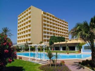 Malaga airport hotels andalucia travel guide for Hotel diseno malaga